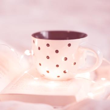 pinky_dot_teacup_and_book